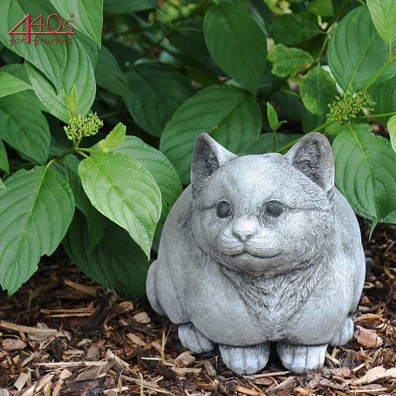 Kretakotta runde Katze sitzend, Antiksteinguss, H ca. 22 cm   KK-1041
