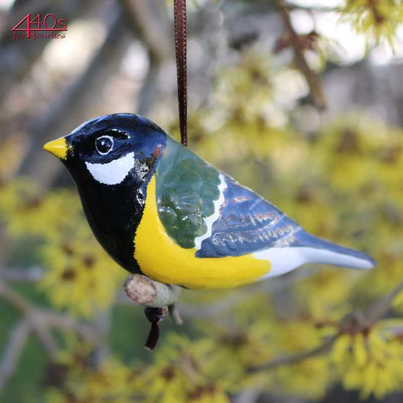 Tangoo Keramik-Vogel Kohlmeise auf Holz hängend | TA-17001